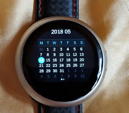 Na hodinkách jsou také db7047a072